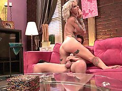 tattooed blonde with a dirty mind is getting nailed in a rough way