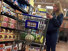 dw blonde teen with great ass shopping for cereal 1