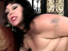 voluptuous cougar in heat alexis coulture goes crazy for a black dick